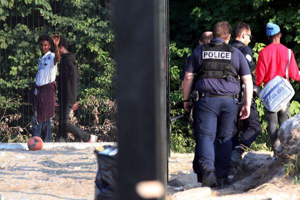 Les associations avaient signalé des violences émanant des forces de l'ordre.