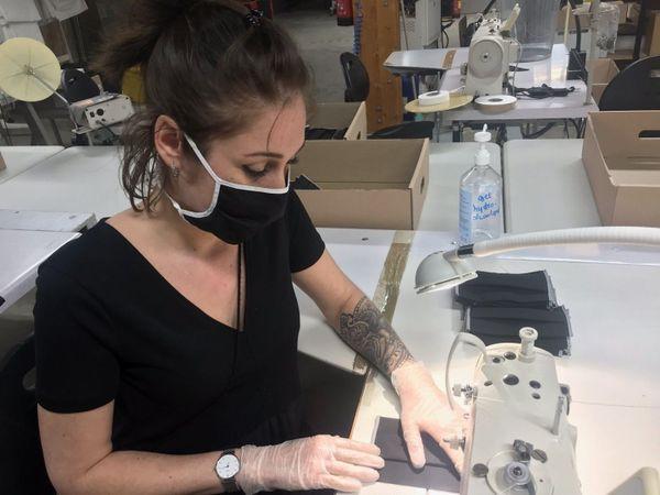 Les masques en confection aux Ateliers FIM