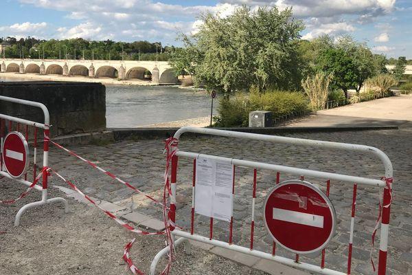 Les bords de Loire sont interdits d'accès à Tours depuis le 20 mars 2020