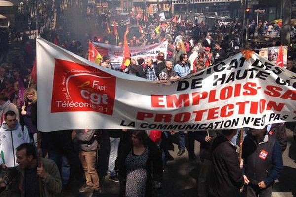 Plusieurs milliers de manifestants dans les rues de Toulouse pour cette nouvelle journée de mobilisation contre la loi travail