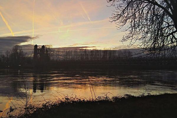 Pont de Groslée, à Brangues