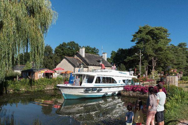 Canal de Nantes à Brest-Malestriot-Le Roc ST André