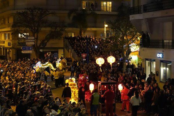 La fête du citron attire chaque année plus de 240 000 visiteurs français et internationaux.