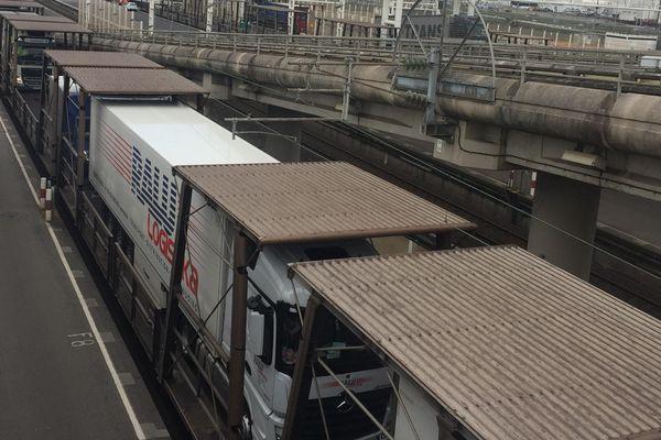 Bombardier va être en charge de la rénovation des navettes passagers d'Eurotunnel à Calais.