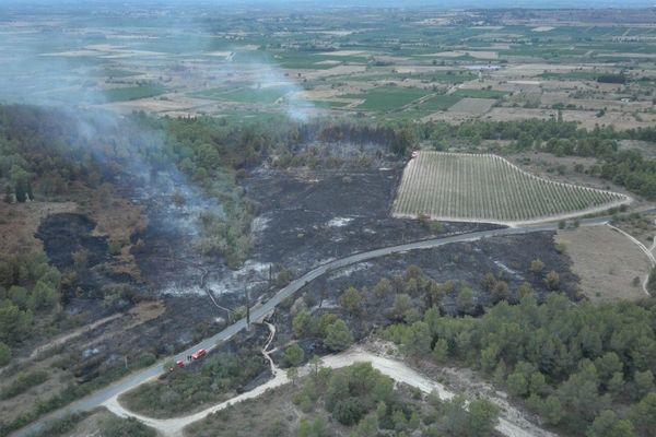 Nissan-lez-Enserune (Hérault) - 9 hectares de pinède sont partis en fumée mardi soir à l'est de Béziers, dans l'Hérault. 3 août 2021.