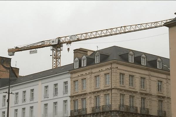 La grue à Rennes où est monté le père de famille qui réclamait la garde de ses enfants