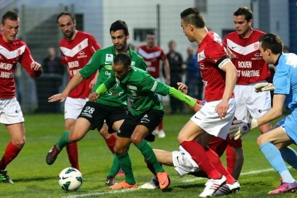 Le FC Rouen s'est incliné à Colmar 3 buts à 2.