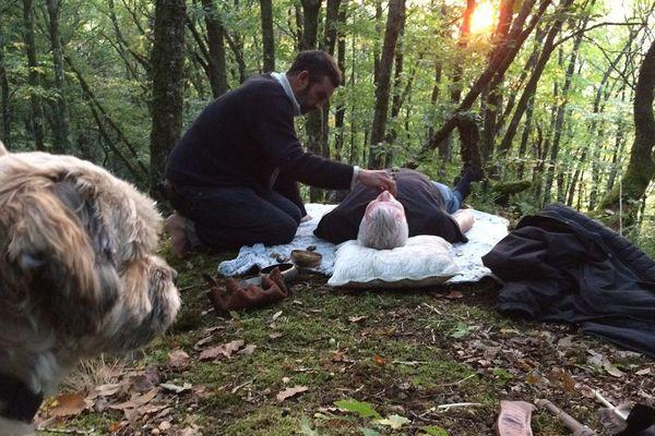Une cérémonie chamanique en forêt des Cars en Haute-Vienne