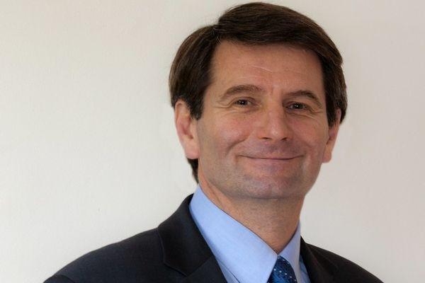 Erven Léon, maire de Perros-Guirec prend la direction de Vigipol