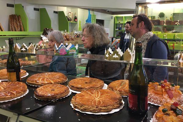 Montpellier - Dans les boulangeries, c'est l'affluence pour acheter la traditionnel gâteau des rois - 05.01.20