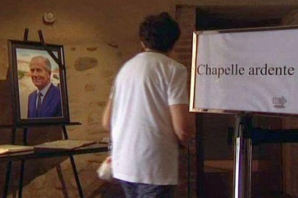 Millas (Pyrénées-Orientales) - hommage à Christian Bourquin et livres de condoléances à la mairie - 28 août 2014.