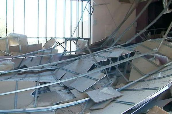 Aude : le plafond de la salle des fêtes de Peyriac-de-Mer s'est effondré dans la nuit - 16 juillet 2019.