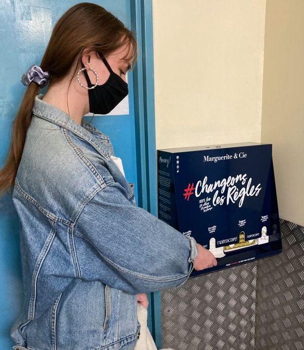 A partir de ce 8 mars, certains campus des universités de la Côte d'Azur mettront à disposition des étudiantes des protections periodiques gratuites. Chloé a pu tester le dispositif.