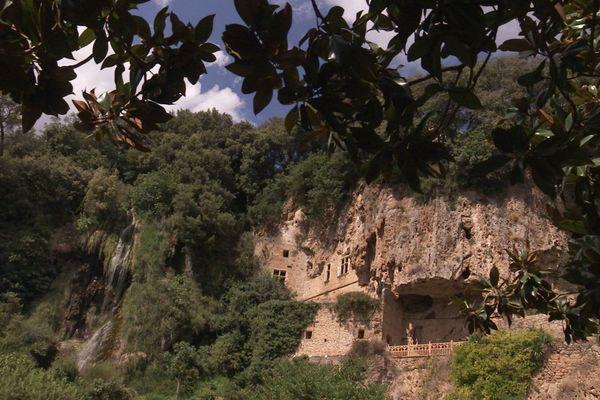 Les grottes troglodytiques de Villecroze