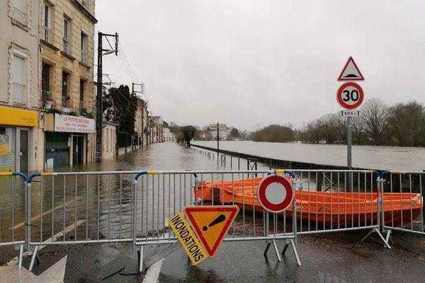 A Saintes, la Charente n'a pas encore atteint son pic.