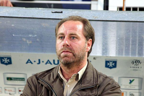Jean-Guy Wallemme sur le banc auxerrois la saison dernière.