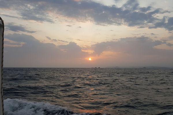 Levée de soleil en baie de Saint-Malo