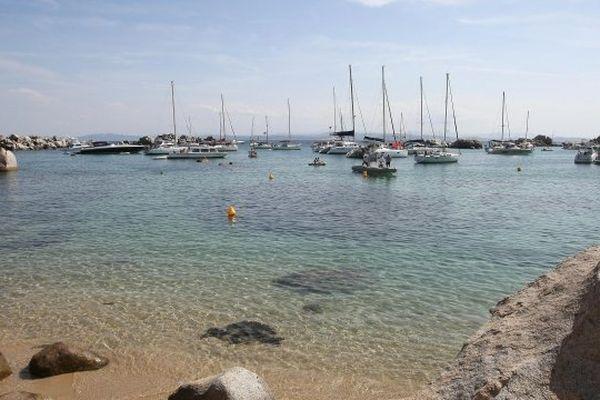 ILLUSTRATION - Mouillages dans les Iles Lavezzi (Corse-du-Sud)