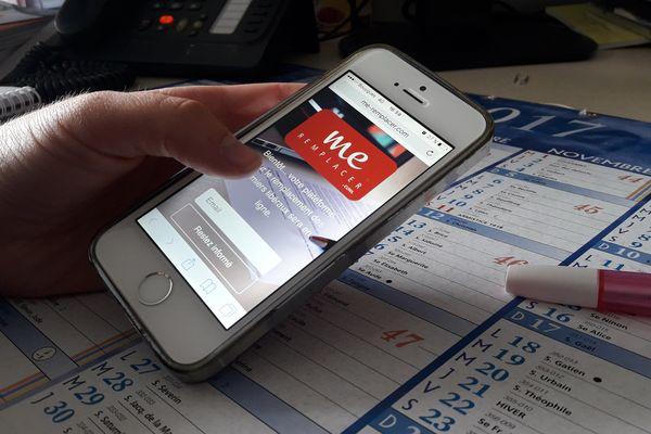 La plateforme est conçue pour être utilisée facilement sur mobile.
