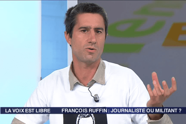 François Ruffin sur le plateau de La Voix est Libre.