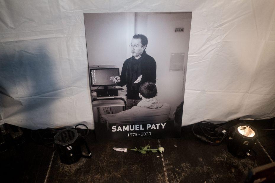 """Assassinat de Samuel Paty : """"Un an après, on se rend compte qu'on n'a pas digéré"""""""