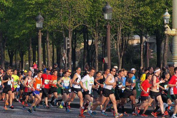 54 000 coureurs ont participé au 39e Marathon de Paris, le 12 avril 2015.