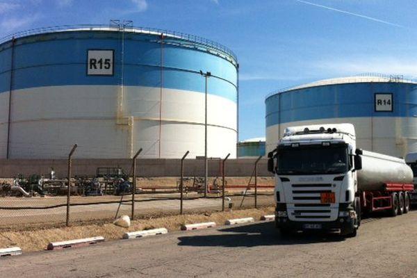 Après le déblocage, les camions reviennent s'approvisionner