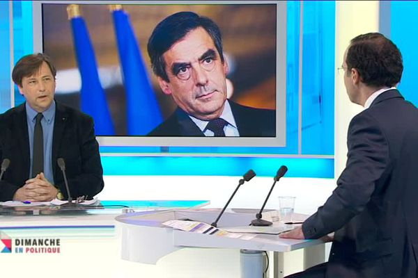 Yves d'Amécourt sur le plateau de Dimanche en politique Aquitaine