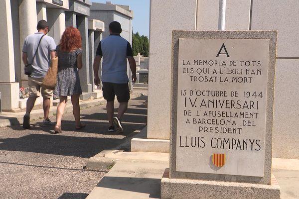 Trois historiens enquêtent au cimetière de l'Ouest à Perpignan pour retrouver la trace de réfugiés espagnols - 20 juillet 2021.