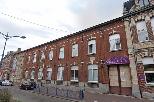 Le collège du Sacré Coeur à Halluin, accueillant 400 élèves, est fermé pour au moins huit jours suite à la détection du variant britannique chez une élève.