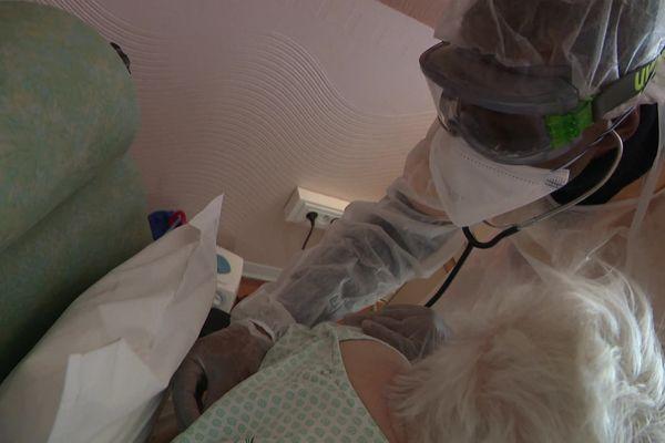En raison de la troisième vague épidémique, les personnels de l'hôpital de Flers ont vu leurs congés gelés jusqu'à nouvel ordre.
