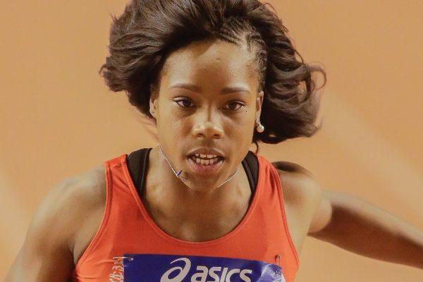 Stella Akakpo aux Championnats de France d'Athlétisme en salle, à Bordeaux, le 18 février.