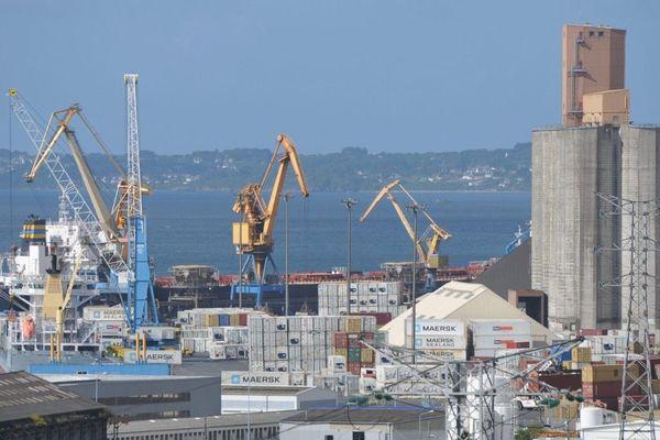 Le port de Brest (ici) mais aussi ceux de Roscoff et Saint-Malo réintégrés dans le dispositif européen