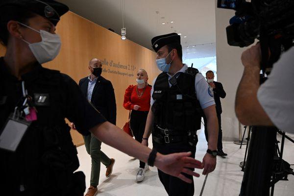 Treize prévenus comparaissent devant le tribunal correctionnel de Paris en juin 2021 pour le cyberharcèlement de l'adolescente iséroise Mila.