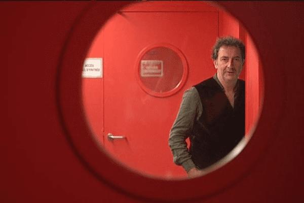 Le comédien bas-normand François Morel dans les coulisses du quai des arts à Argentan