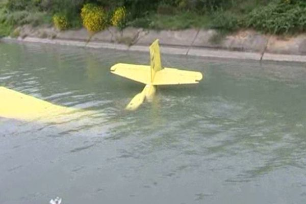Un avion du même type était tombé dans le canal en juin dernier