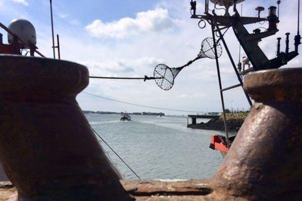 La gronde des dockers lorientais risque de s'étendre vendredi à d'autres ports