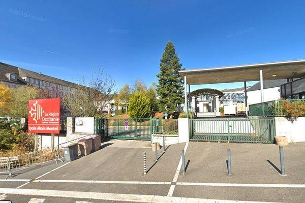 2 classes de BTS du Lycée Monteil à Rodez (Aveyron) ont dû être fermées pour une semaine : un étudiant a été testé positif à la Covid-19.