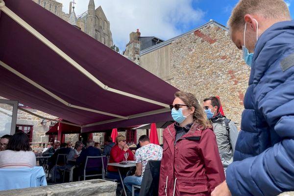 Il y avait déjà énormément de toursites pendant le week-end de l'Ascension mais ce 19 mai, on peut manger au restaurant et en terrasse ! à condition, d'attendre son tour avec des jauges diminuées