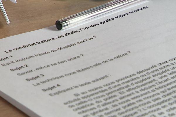 De nombreux professeurs de philosophie dans le Nord et le Pas-de-Calais sont en grève et dénoncent de mauvaises conditions de correction, à cause notamment de la numérisation des copies.