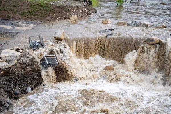 Les vagues de l'Hérault ont emporté le pont de secours
