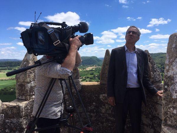 Gestionnaire de la société éponyme, Kléber Rossillon est un homme qui compte dans le paysage touristique français. Son opposition au projet de déviation de Beynac a sans doute énormément compté dans le dossier.