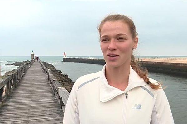 """""""Ce que je vise, c'est d'aller dans les grands chelems, et même de finir tête de série"""" affirme la jeune tenniswoman Jessika Ponchet, chez elle à Capbreton dans les Landes."""