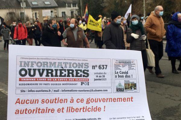"""Le cortège poitevin d'opposants à la proposition de loi """"sécurité globale"""" en ce samedi 16 janvier 2021."""