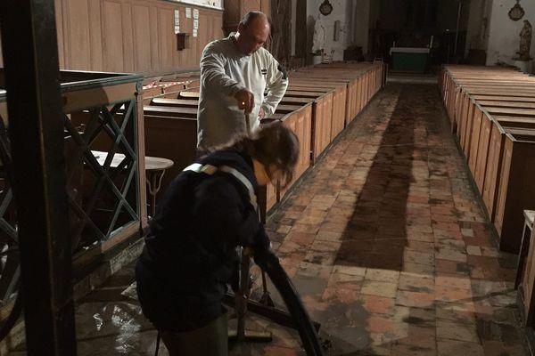 L'église de Concressault, dans le Che, a été inondée cette nuit.