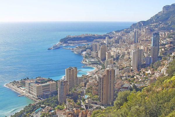 Vue aérienne de la Principauté de Monaco.