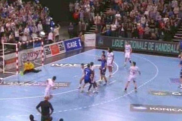 Montpellier inflige une punition à Chambéry 40 à 30 - 24 octobre 2013.