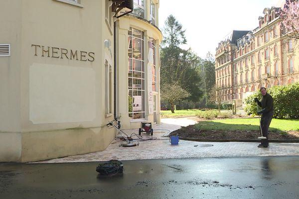 L'établissement thermal de Bagnole de l'Orne qui accueille normalement 800 curistes chaque semaine est fermé depuis le mois de novembre 2020.