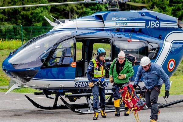 Un hélicoptère et plusieurs équipes de recherche ont été mobilisés  (photo illustration)