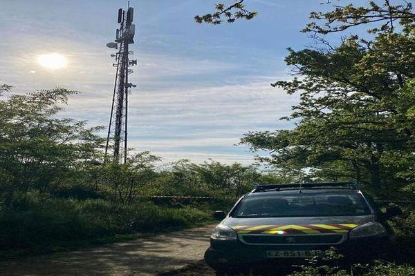 Labège (Haute-Garonne) - 2 antennes 5G (Orange et SFR) incendiées - 4 mai 2021.